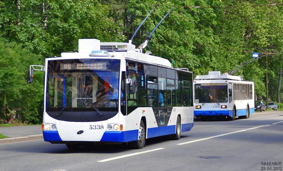 Низкопольный троллейбус ВМЗ-5298 в Санкт-Петербурге