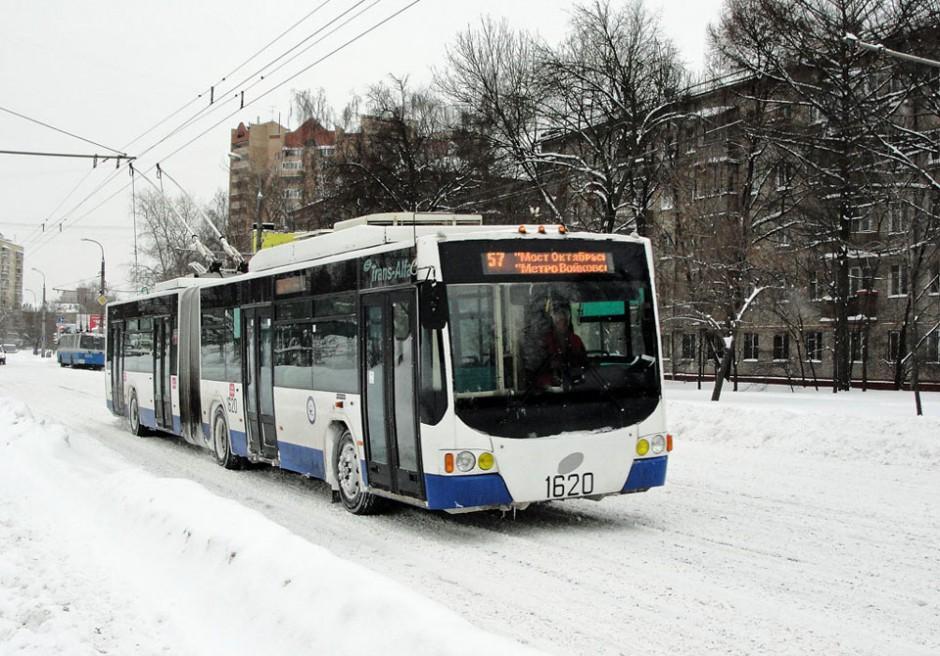 Низкопольный сочлененные троллейбус ВМЗ-62151 в Москве