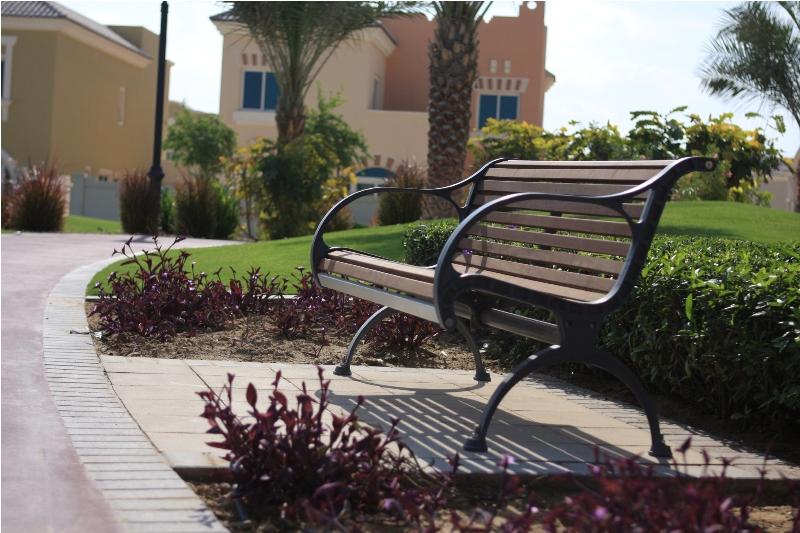 Promenade_Seat_CMR102_Dubai_UAE02