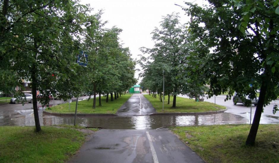 Новгород.ру: Новгородцы жалуются на «вечные лужи» на дорогах и тротуарах