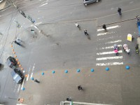 """Незаконная стоянка такси у ТЦ """"Волна"""": лёд тронулся"""