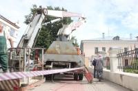 В Великом Новгороде вырубили деревья, чтобы сделать парковку для церкви